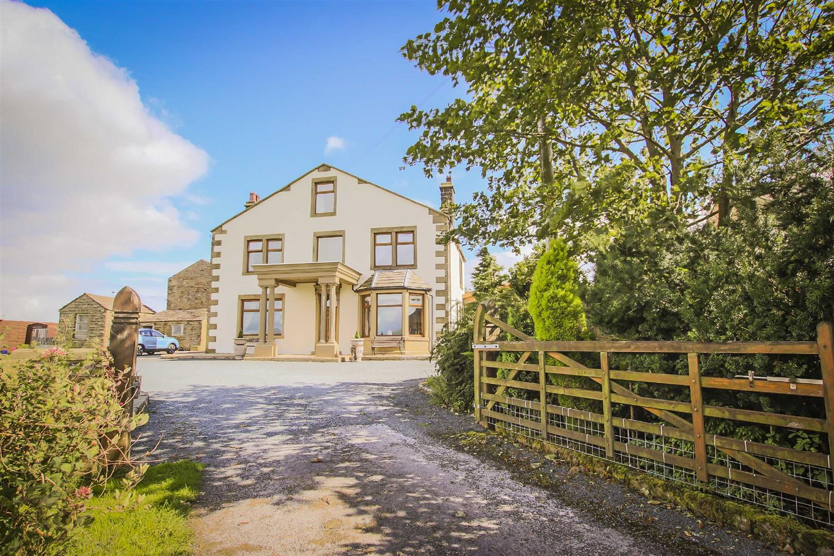 7 Bed Detached House For Sale - Main Image